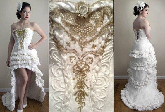 vestido de noiva feito de 100% papel higiênico