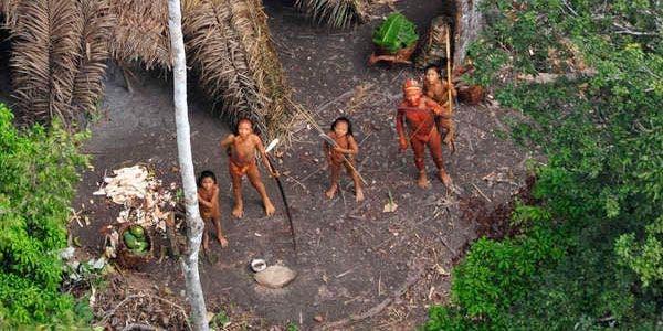 Tribos isoladas pedem socorro
