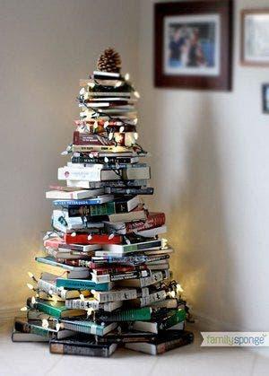 árvore de Natal feitas com livros