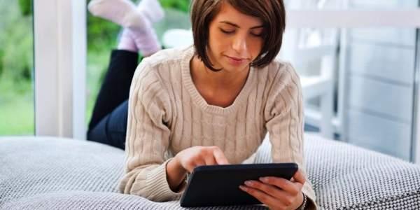 Insônia pode ser aumentada com luz emitida por laptops e tablets