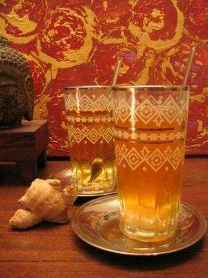 chá gelado com gengibre