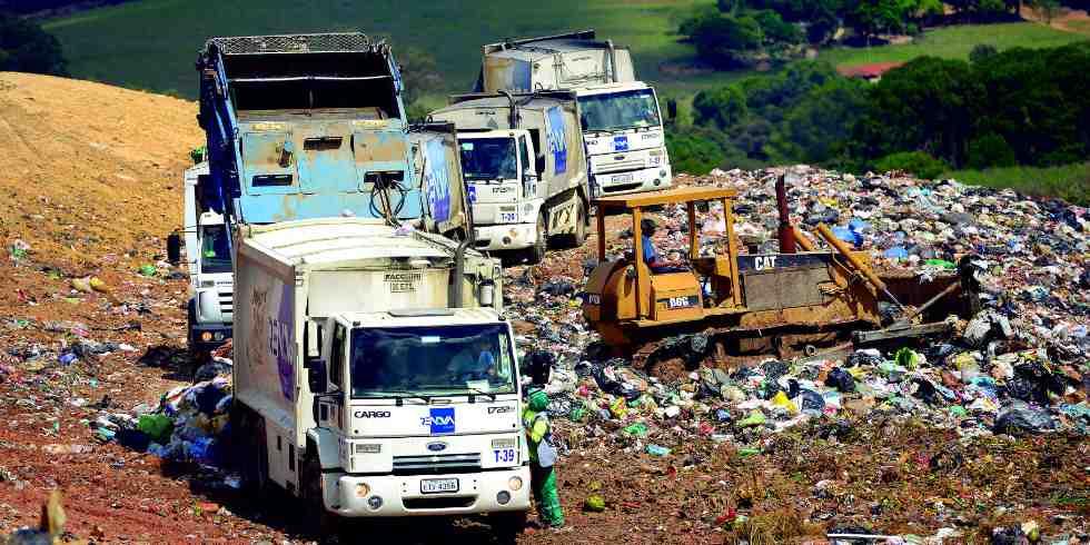 Brasileiro cria protótipo que tranforma lixo em energia