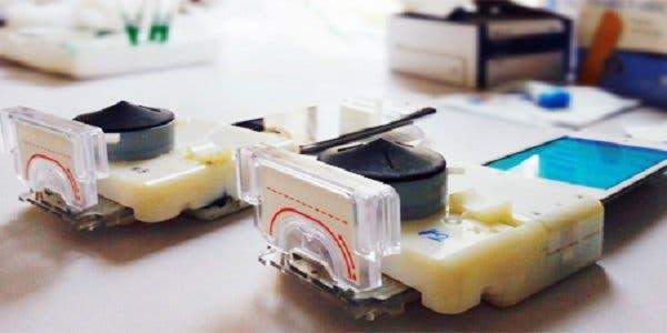 Exames de sífilis e HIV com smartphone