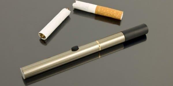Cigarros eletrônicos não ajudam a parar de fumar