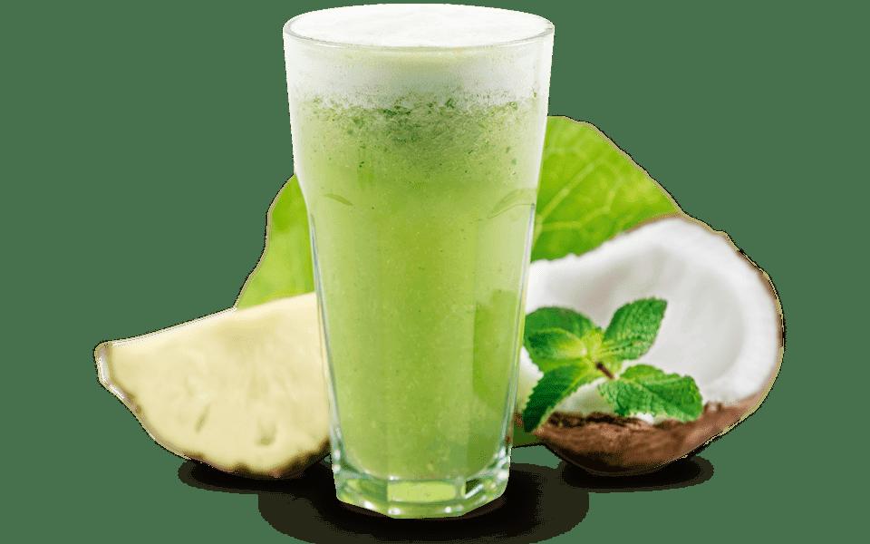 Suco detox com couve e água de coco