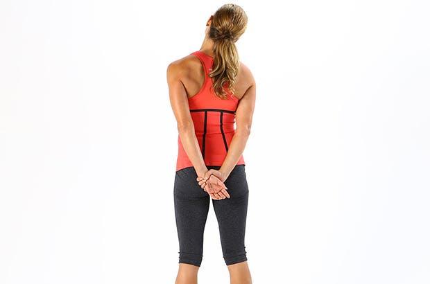 alongamento atrás do pescoço