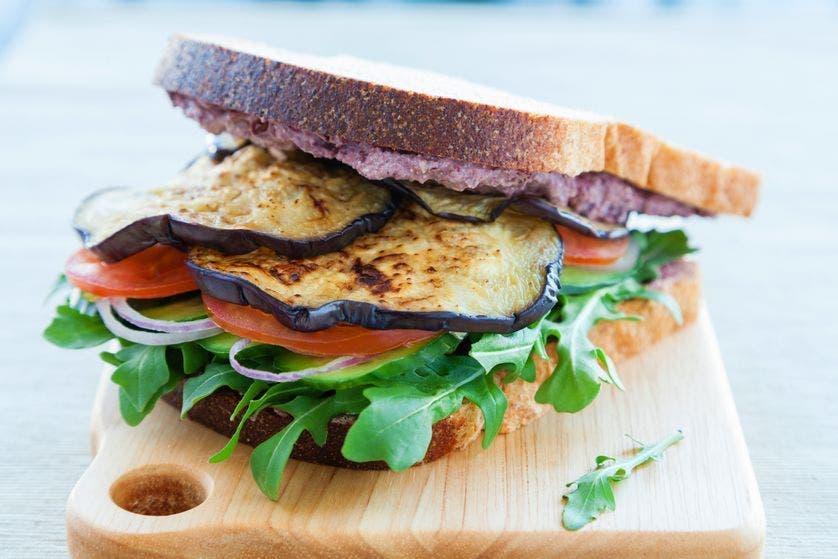 sanduiche de berinjela grelhada