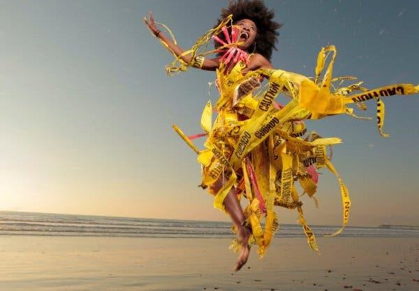 moda lixo praia 1