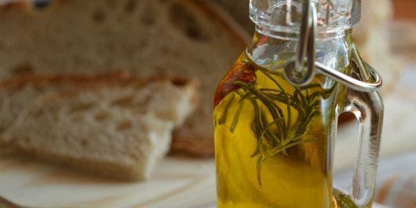 óleo aromático com alecrim e pimenta