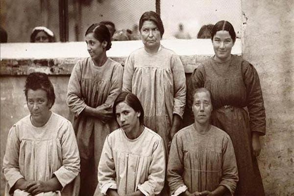 mulheres no manicômio