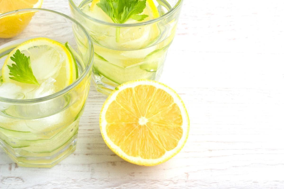 água e limão