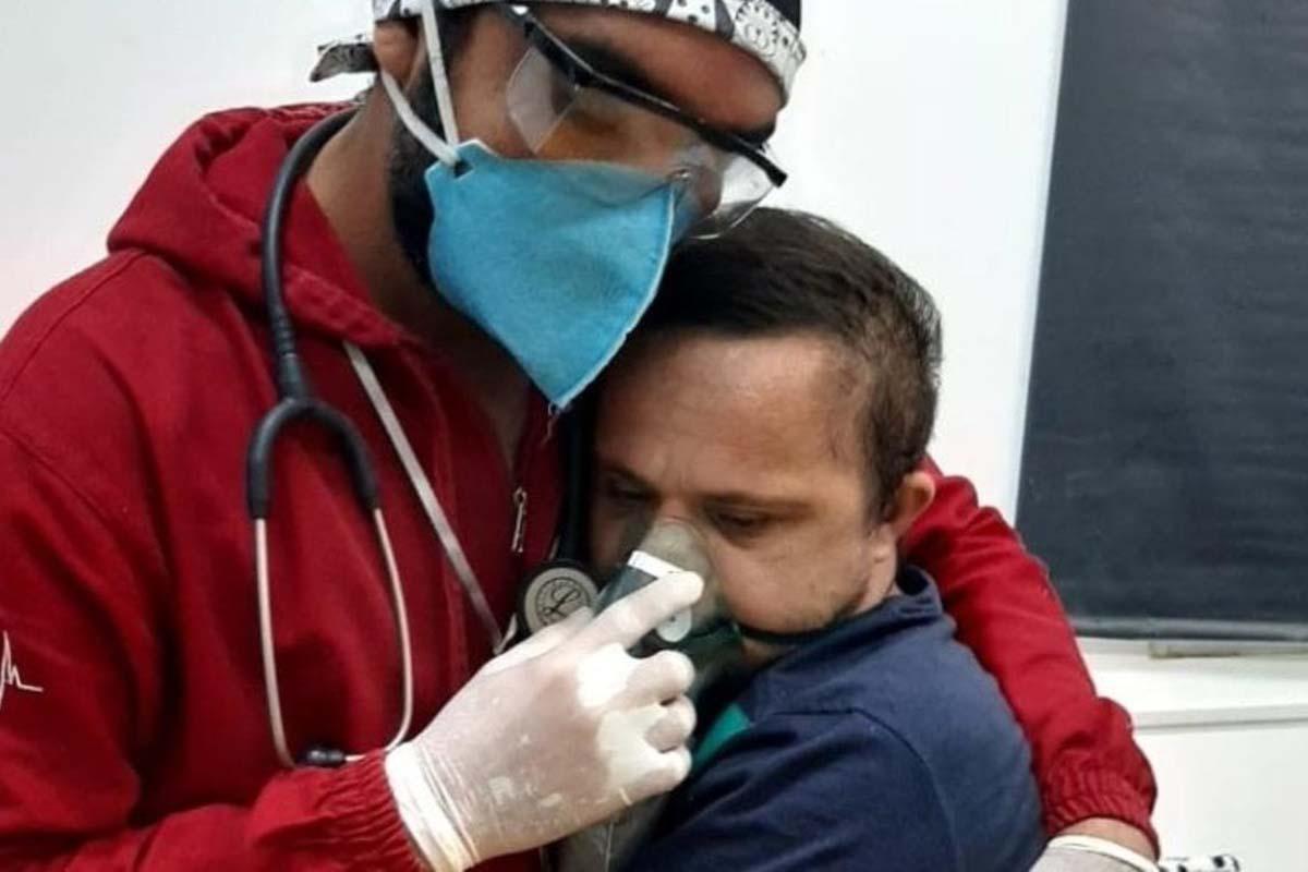 enfermere-covid-down