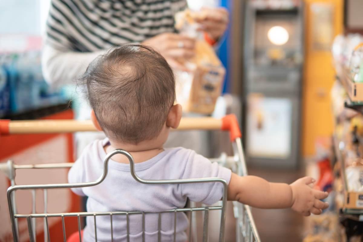 crianca-supermercado